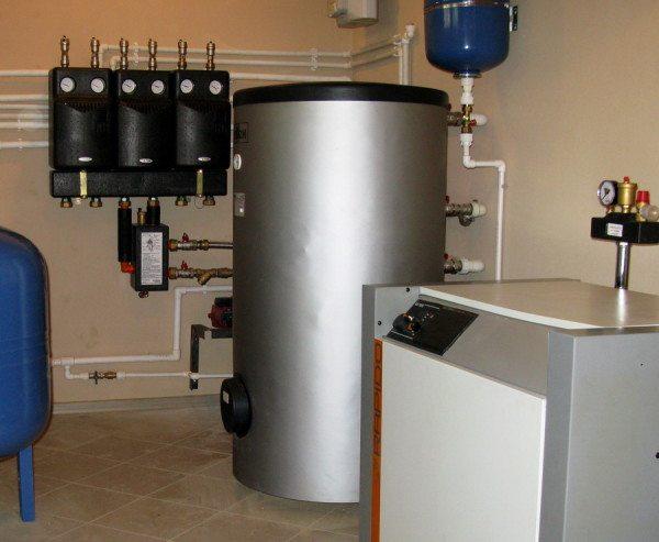 Газовый котел в подвале частного дома – обычное явление.
