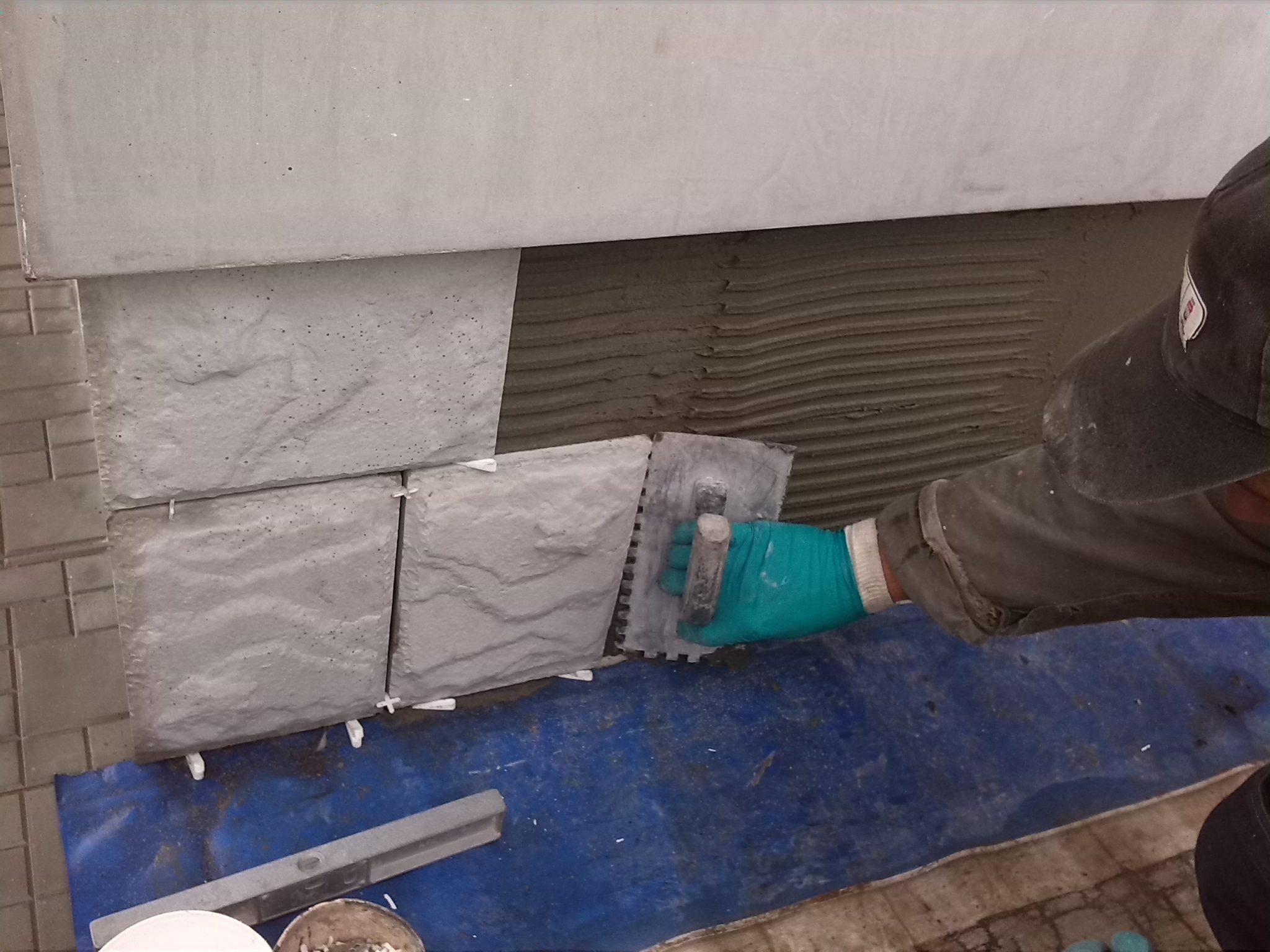 Как обложить плиткой фундамент