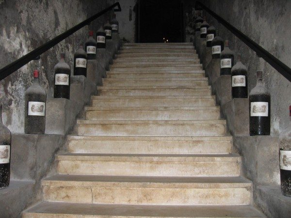 Лестница маршевого типа.