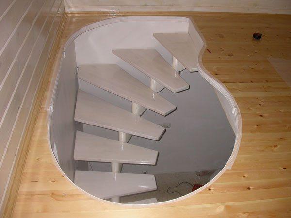 Оригинальные винтовые лестницы в подвал