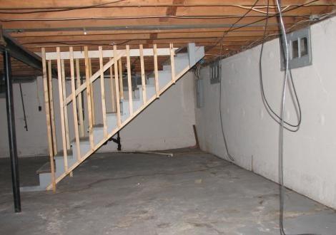 Подпол в доме на стадии строительства.