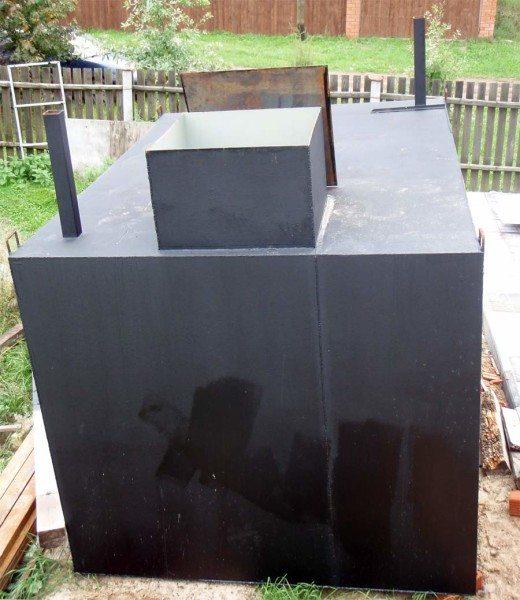 Сварная конструкция из четырехмиллиметровой стали.