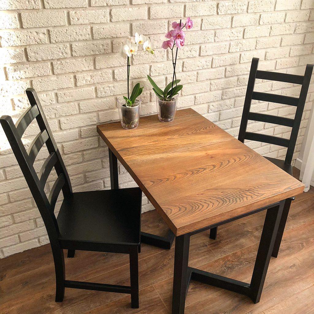 Как выбрать кухонный стол для маленькой кухни?