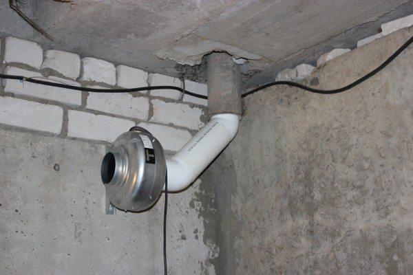 Естественная вентиляция в подвальном помещении