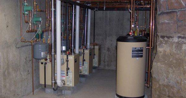 Газовая котельная может быть установлена в подвале или цокольном этаже жилого частного дома.