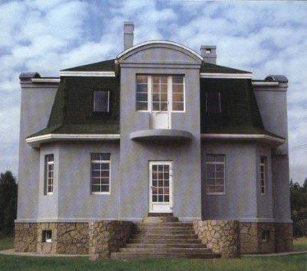 Грамотно подобранный материал для цоколя поможет создать определенный стиль здания.