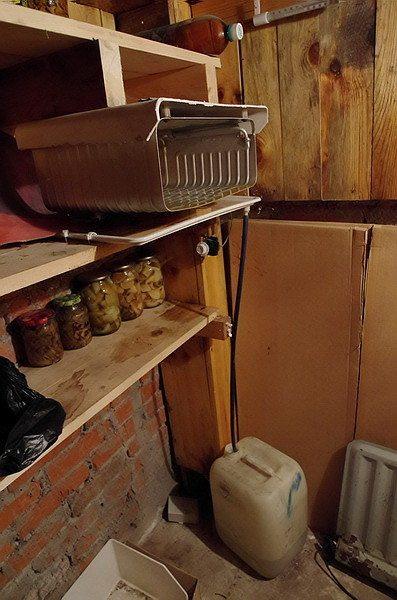 Испаритель с канистрой для отвода конденсата.