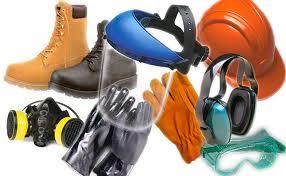 Использование защитных средств позволит предотвратить отравление парами краски или тяжелыми металлами, которые могут входить в ее состав