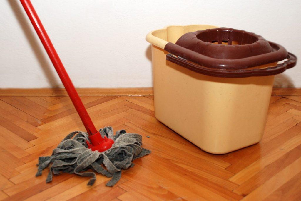 Чем отмыть краску для волос с пластика