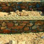 Кладка цоколя бутовым камнем