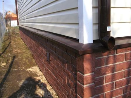 Кладку защищают прочным водонепроницаемым покрытием.