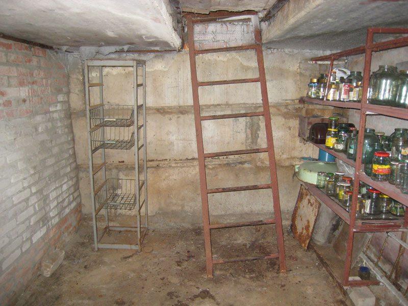 гараж в подвале