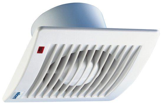 На фото - вентилятор для принудительного воздухообмена