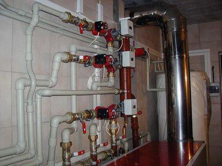 На фото – инженерные системы в подвале