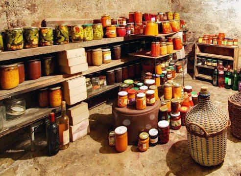 Необходимо помнить, что здоровый погреб является гарантией для правильного и безопасного хранения продуктов в нем