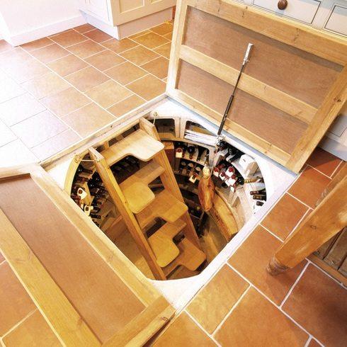 Погреб из колодезных колец под домом