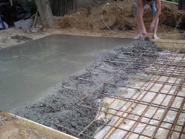 Создание бетонного перекрытия над подвалом
