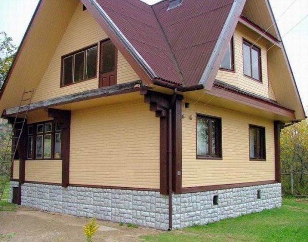 Цокольная планка – важный элемент экстерьера здания