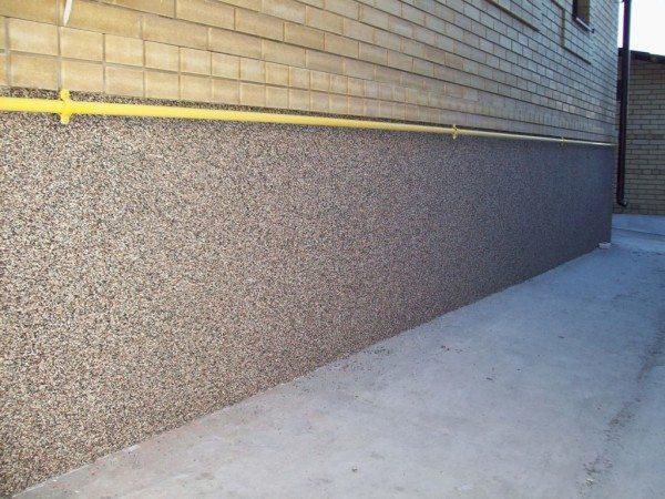 Цокольная цементная штукатурка – особый вид штукатурки, требующий и особого разговора и подхода к применению