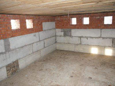 Цокольный этаж. Фото изнутри