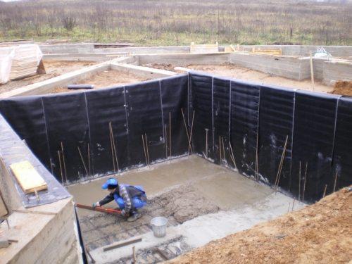 Всё начинается с бетонируемого котлована