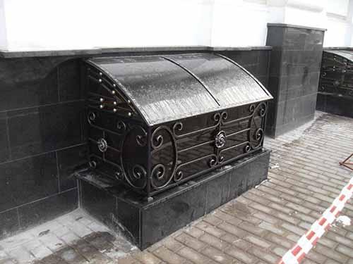 Защитную конструкцию можно превратить в настоящее произведение искусства